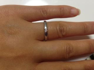 【銀座ダイヤモンドシライシの口コミ】 予算の範囲の指輪を見ている中に、こちらがありました。シンプルなデザイン…