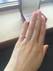 【入倉康ジュエリー工房の口コミ】 結婚指輪もいろいろなブランドを見ましたが、見ていくうちにオリジナルでオ…
