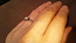 【ラザール ダイヤモンド(LAZARE DIAMOND)の口コミ】 再婚でしたので、婚約指輪をもらえるとは思っていませんでした。 夫は、最…