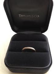 【ティファニー(Tiffany & Co.)の口コミ】 カルティエのエタニティーと迷いましたが、ティファニーの方が線が細く、…