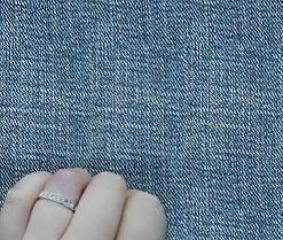 【4℃(ヨンドシー)の口コミ】 この指輪を選んだ理由は、デザインが気に入ったことと、結婚指輪と重ね付…