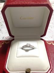 【カルティエ(Cartier)の口コミ】 婚約指輪という一生に一度の指輪なので普段なら手が出ないカルティエを選び…