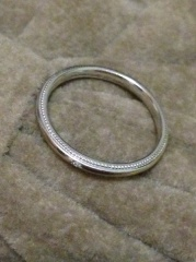 【BRIGHTON jewelers(ブライトンジュエラーズ)の口コミ】 まずダイヤモンドについてとても丁寧に説明をしてくれるところから始まり…