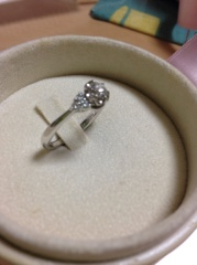 【BRIGHTON jewelers(ブライトンジュエラーズ)の口コミ】 なかなかイメージのわかなかった私に色々なデザインや形を提案してくれま…