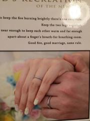 【ティファニー(Tiffany & Co.)の口コミ】 いくつか試着していく中で旦那さんがこの指輪を気に入った事と、シンプルで…