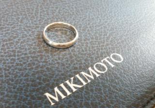 【MIKIMOTO(ミキモト)の口コミ】 今では結婚指輪も、装飾が凝らされていたり様々なデザインのものがでてい…