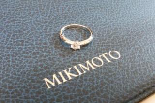【MIKIMOTO(ミキモト)の口コミ】 婚約指輪は一生ものなので、見た目ではなく質で選びたいと思い、MIKI…