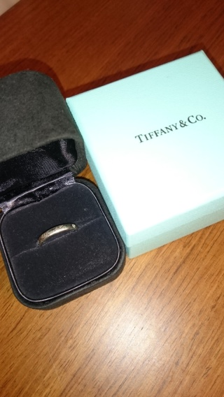 【ティファニー(Tiffany & Co.)の口コミ】 いかにも婚約指輪というようなものより、普段でもつけやすい、本当にシンプ…