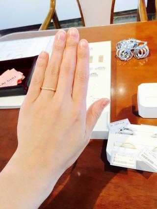 【Cafe Ring(カフェリング)の口コミ】 細身のゴールドの指輪にしたくて、ネットなどで色々と探していましたがな…