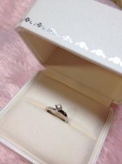 【MIKIMOTO(ミキモト)の口コミ】 アシンメトリーなデザインはあまり見かけることもなく、ダイヤの輝きがとて…