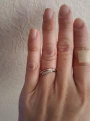【アイプリモ(I-PRIMO)の口コミ】 婚約指輪がない代わりに結婚指輪はダイヤのついた豪華なものにしたいと決め…
