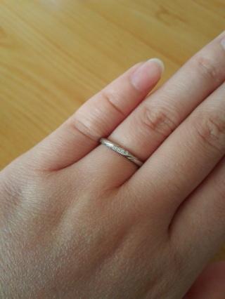 【エクセルコダイヤモンド(EXELCO DIAMOND)の口コミ】 結婚指輪は華奢なデザインのものを探していて、エクセルコさんを訪れたとこ…