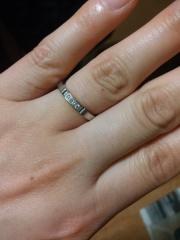 【カルティエ(Cartier)の口コミ】 キラキラしてるデザインの指輪を探していたので一目惚れで決定しました。 …