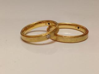 【BlaCykel(ブラシュケル)の口コミ】 イエローゴールドの指輪を探していましたが、光沢のあるイエローゴールドだ…