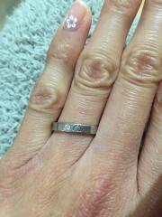 【カルティエ(Cartier)の口コミ】 シンプルなものがよかったのですが一つだけダイヤが入っているのがよかっ…