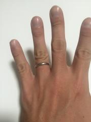 【CITIZEN Bridal(シチズンブライダル) / ディズニーシリーズの口コミ】 結婚指輪は一生つけるものという事で、飽きがこないシンプルなデザイン。…