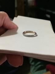 【ラザール ダイヤモンド(LAZARE DIAMOND)の口コミ】 色々な形を検討しましたが、結婚指輪は毎日つけているので、やはりシンプ…