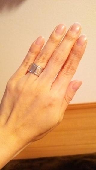 【REGALO(レガロ)の口コミ】 旦那さんに合うデザインを探していて、普段から幅がある指輪をしていたので…