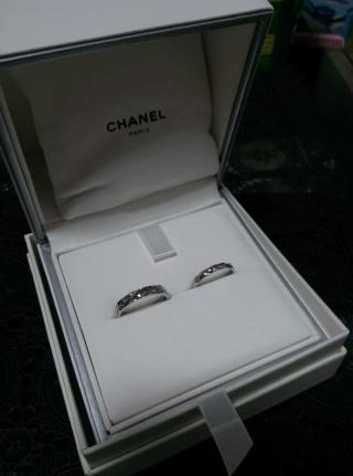 【シャネル(CHANEL)の口コミ】 シンプルな指輪の方が、飽きが来なくていいかなと、ティファニーとすごく迷…