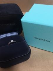 【ティファニー(Tiffany & Co.)の口コミ】 婚約指輪を購入するにあたって、一粒ダイアのプラチナリングにしようという…