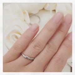 【TAKE-UP(テイクアップ)の口コミ】 毎日付けるものなので、邪魔にならない細めの指輪を探していました。 婚約…