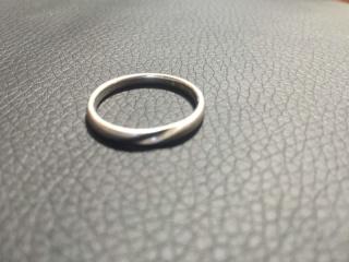 【ラザール ダイヤモンド(LAZARE DIAMOND)の口コミ】 嫁と同じデザイン、嫁のものはダイヤがはいyっているものになります。他の…