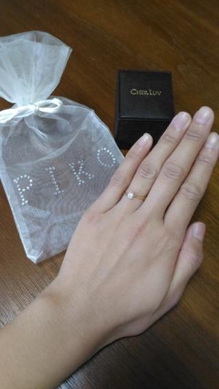 【CHER LUV(シェールラブ)の口コミ】 某指輪雑誌を見て、こんなタイプのものとは決めていました。 リングの幅が…