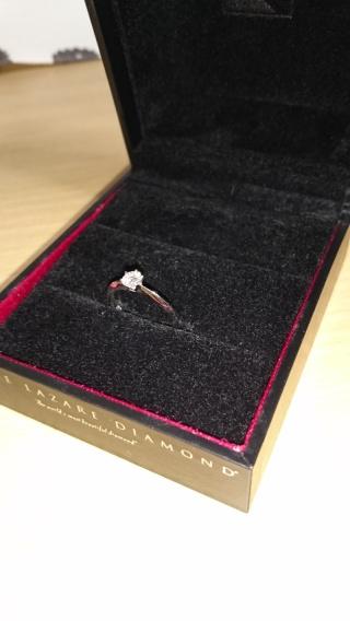 【ラザール ダイヤモンド(LAZARE DIAMOND)の口コミ】 どちらかというと細長い私の指に合う指輪を彼がお店の方と相談しながら決…