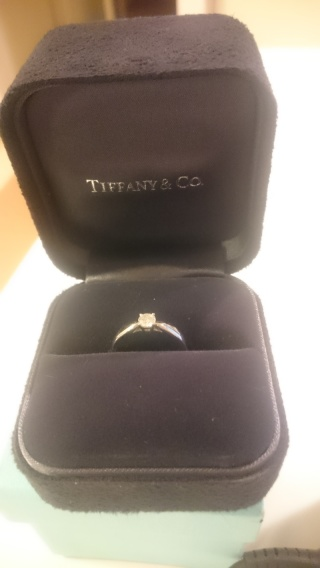 【ティファニー(Tiffany & Co.)の口コミ】 ・シンプルなもの、結婚した後も継続して長くつけられる、というてんを重点…