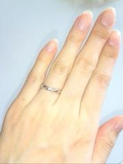 【ラザール ダイヤモンド(LAZARE DIAMOND)の口コミ】 日常的に指にはめていたかったので、あまり派手すぎず、ダイヤモンドのつ…