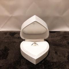 【WATANABE / 卸商社直営 渡辺の口コミ】 1300種類の婚約指輪の中から自由につけて、満足のいくデザインを探すこと…