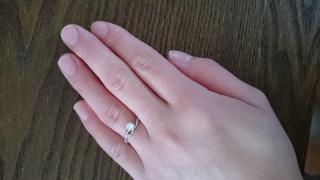 【アイプリモ(I-PRIMO)の口コミ】 まず彼女の指に似合うもの。彼女の好みのデザインである事。予算に見合うも…