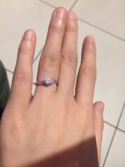 【WATANABE / 宝石・貴金属 渡辺の口コミ】 いろいろなブランドを検討しましたが、似るデザインと同じ質のダイヤモンド…