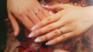 【JEWELRY  KAMATA(ジュエリーかまた)の口コミ】 何十年もつける結婚指輪なため、シンプルだけど唯一の飽きないデザインの指…