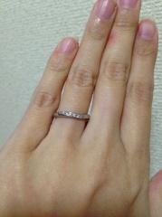 【4℃(ヨンドシー)の口コミ】 手が小さく、指輪のサイズも4号とかなり小さめなので細身でスッキリとし…