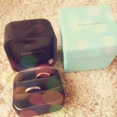 【ティファニー(Tiffany & Co.)の口コミ】 婚約指輪がTiffanyだったので、最初からTiffanyと決めて買いに行きました…