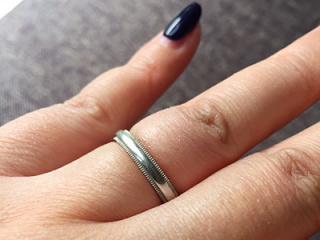 【ティファニー(Tiffany & Co.)の口コミ】 婚約指輪がティファニーなので、結婚指輪もティファニーで揃えました。主…