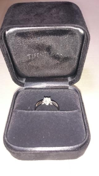 【ティファニー(Tiffany & Co.)の口コミ】 たくさん試着させてもらいましたが、ダイヤモンドの美しさ、特に女性らしい…