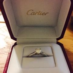 【カルティエ(Cartier)の口コミ】 年齢を重ねてても手になじむシンプルなデザインのものを探していたため、 …