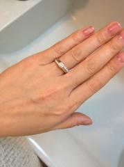 【モニッケンダム(MONNICKENDAM)の口コミ】 せっかく高価な指輪を頂くのだから、タンスの肥やしにはせずに普段も身に…