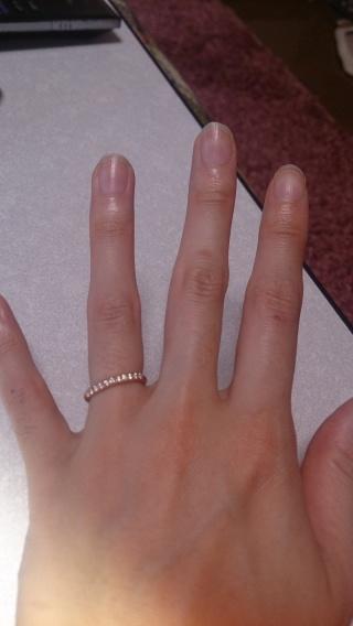 【BRIDGE(ブリッジ)の口コミ】 結婚指輪としてだけでなく、彼がプレゼントしてくれた婚約指輪と一緒につ…