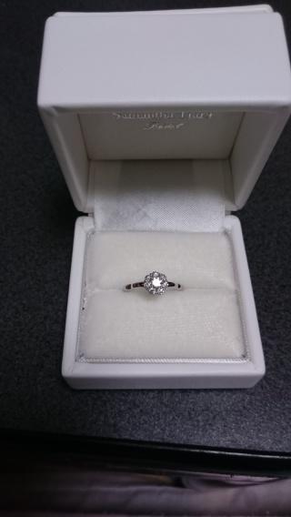 【サマンサティアラブライダル(Samantha Tiara Bridal)の口コミ】 いわゆる婚約指輪というダイヤが一粒ボンっとついているタイプは嫌だと思っ…