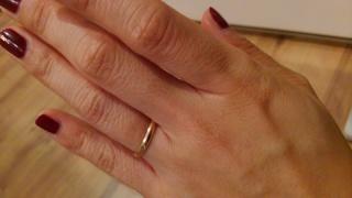 【カルティエ(Cartier)の口コミ】 シンプルでお揃いにできる、指輪を探していました。 さらに、自分はピンク…