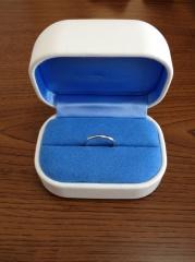 【銀座ダイヤモンドシライシの口コミ】 購入した結婚指輪は婚約指輪とのセットリングではないが組み合わせてみたと…