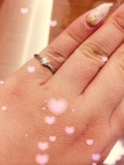 【Quand de Mariage(クワンドゥマリアージュ)の口コミ】 すごい数のある指輪の中からたくさん見た中で選定してる時にひっそりと勝…