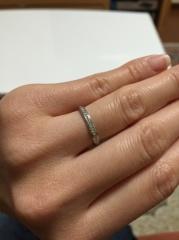 【カルティエ(Cartier)の口コミ】 私は指輪の全面にダイヤモンドを敷き詰めたエタニティリングを探していま…