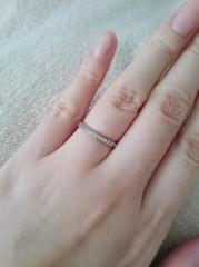【Something Blue(サムシングブルー)の口コミ】 主人の希望で、ねじった?ひねった?デザインの結婚指輪を探していました。…