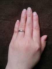 【ブルガリ(BVLGARI)の口コミ】 指輪がVの形をしてるからか、手が小さくて指が短い私でもつけてみると少し…