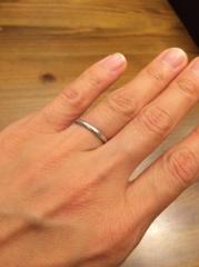 【ティファニー(Tiffany & Co.)の口コミ】 とにかく、シンプルで飽きのこない、一生つけていられる指輪だったのと、重…