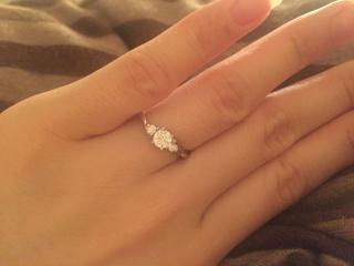 【1/f エフブンノイチの口コミ】 ダイヤモンドから自分で選ぶ事が出来るセミオーダー制の所が魅力でした。 …